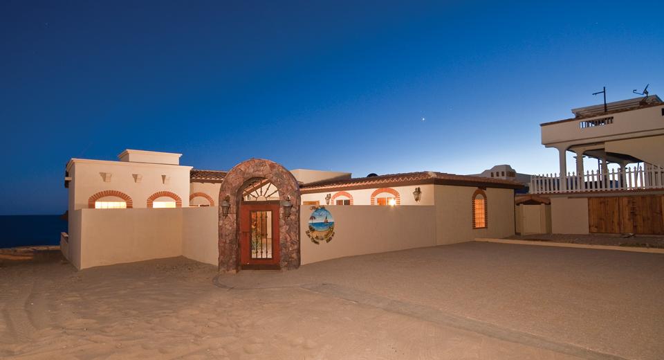 Playa Vida Luxury Beach House Rocky
